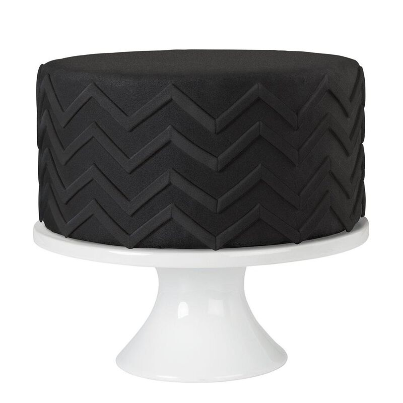 Decorator Preferred Black Fondant, 24 oz. Fondant Icing image number 2