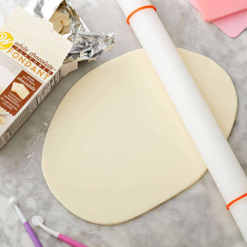 White Chocolate-Flavored Fondant for Cake Decorating, 24 oz. image number 3