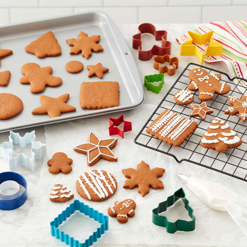 Happy Holidays Cookie Baking Set, 12-Piece image number 4