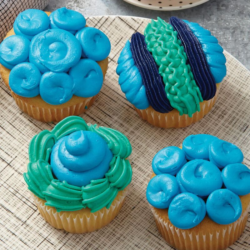 """I Taught Myself To Decorate Cupcakes"" Cupcake Decorating Book Set - How To Decorate Cupcakes image number 7"