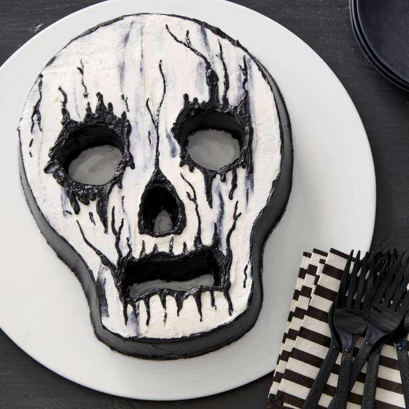 Halloween Non-Stick Skull-Shaped Cake Pan, 9.5 x 12-Inch image number 5
