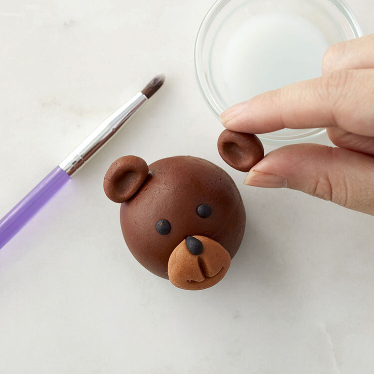 Adding Ears to the Fondant Bear