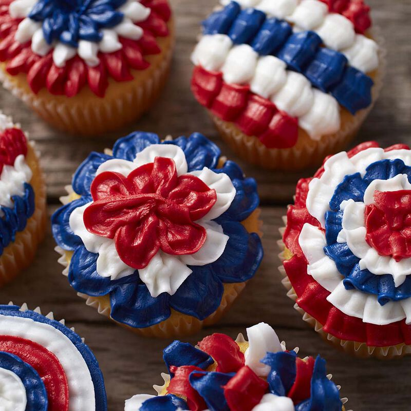 Wilton Patriotic Cupcakes with Tip 100 image number 1