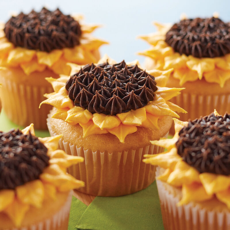 Buttercream Sunflower Cupcakes image number 0