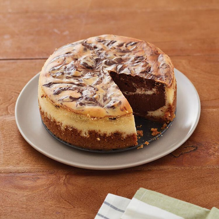 Small chocolate marbleized cheeseceke