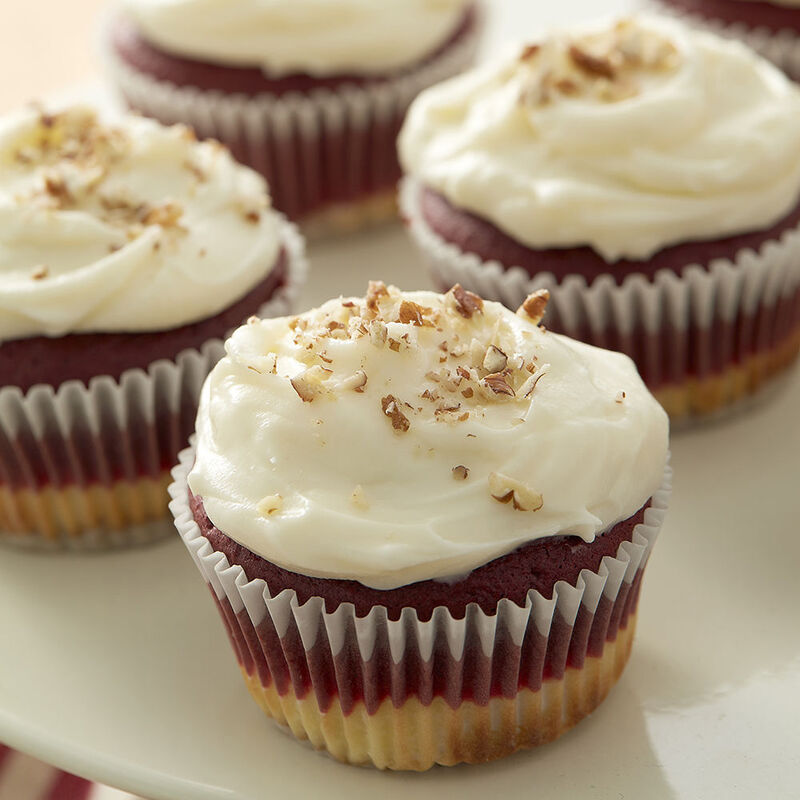 Red Velvet Cheesecake Cupcakes Recipe image number 0