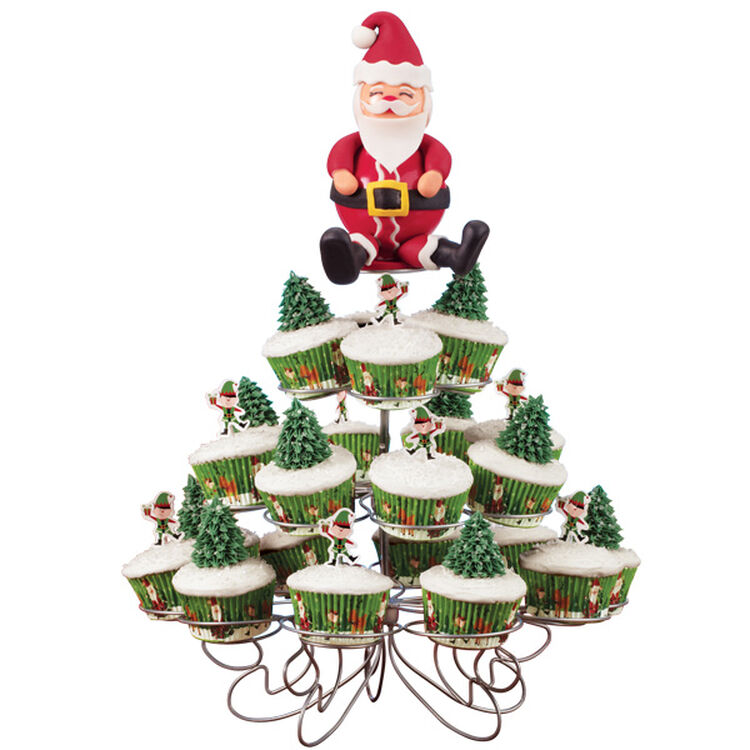 Trim Up the Trees Easy Christmas Cupcakes