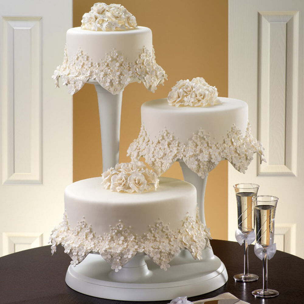 fabulous wedding cake stands floral cake wilton 14088