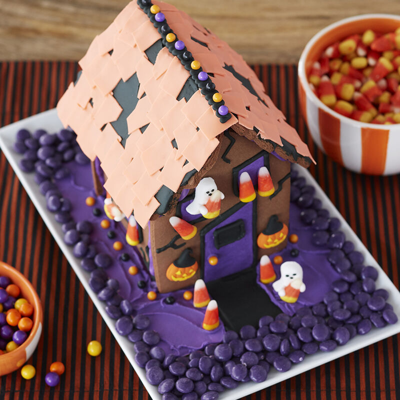 Kids Halloween Gingerbread House image number 1