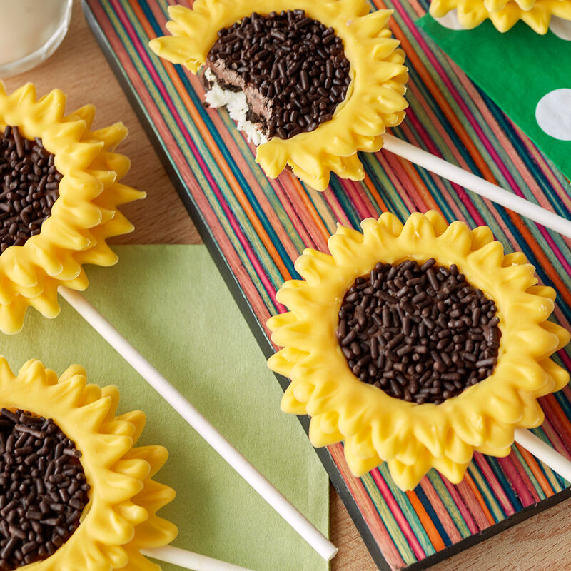 Sunflower Cookie Pops image number 0