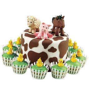 Friends on the Farm Cake & Cupcakes