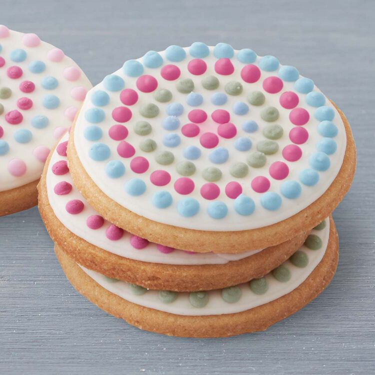 Pipe Dots with Royal Icing