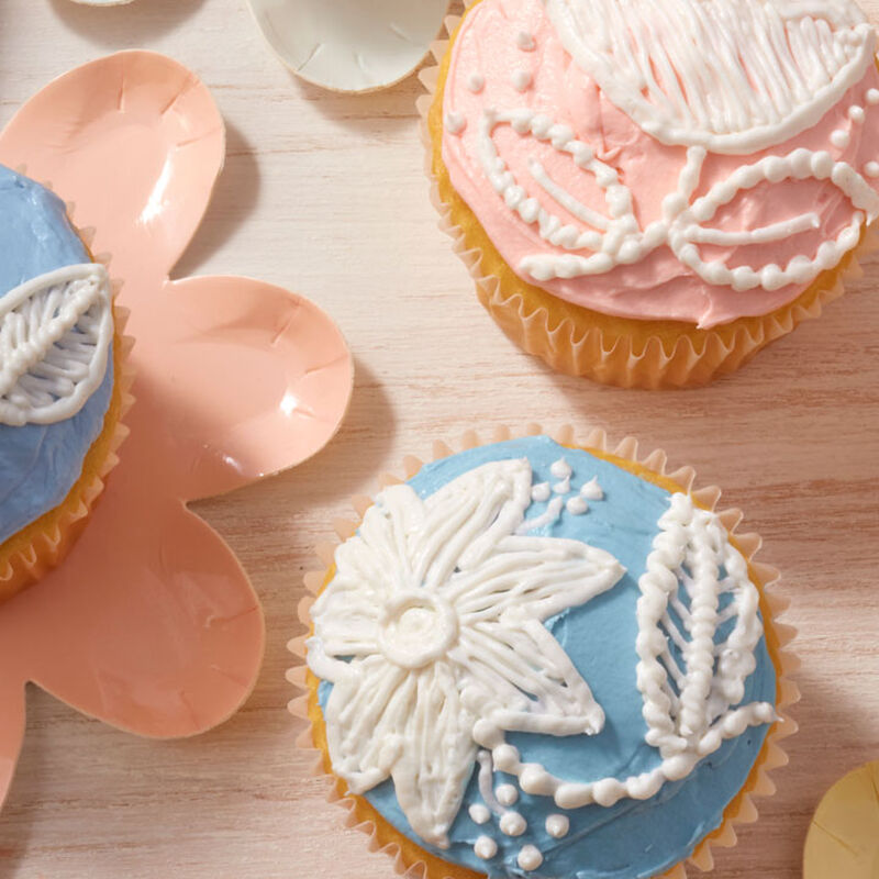 How to Make Buttercream Embroidery Cupcakes