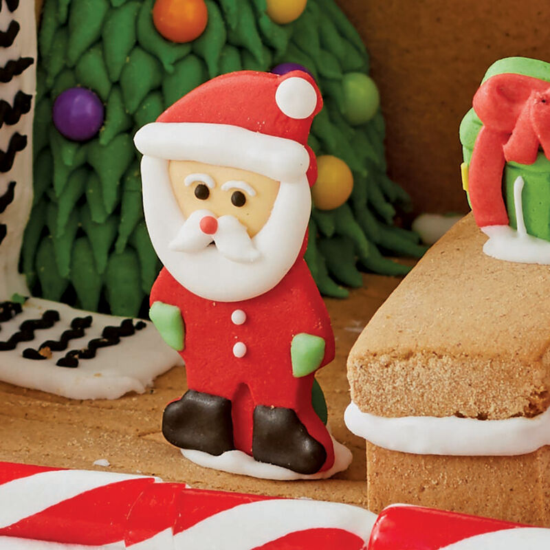 How to Attach Candy to a Gingerbread House image number 3