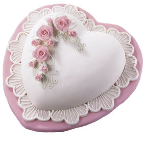 Romantic Roses and Lace Cake