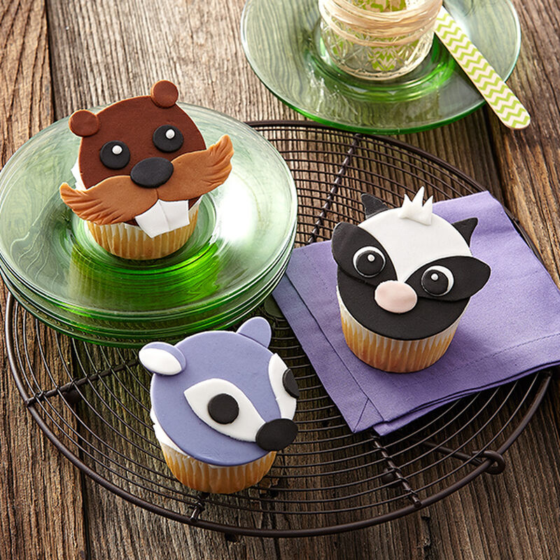 Forest Friends Fondant Cupcakes image number 0