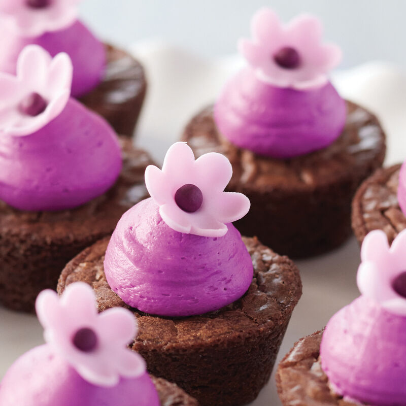 How to Make Fondant Blossom Flowers image number 4