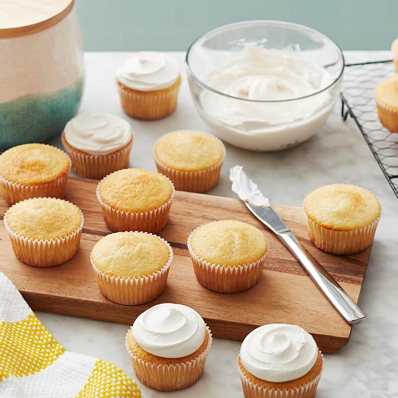 Yellow cupcakes with Buttercream frosting recipe image number 0