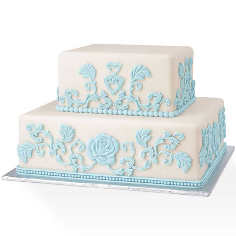 Baroque Impressions in Blue and White Cake image number 0