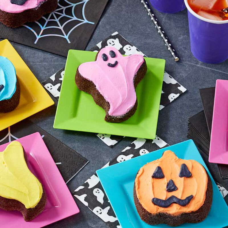 How to Make Pumpkin and Ghost Mini Cakes