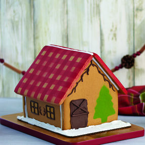 Rustic Color Mist Gingerbread House