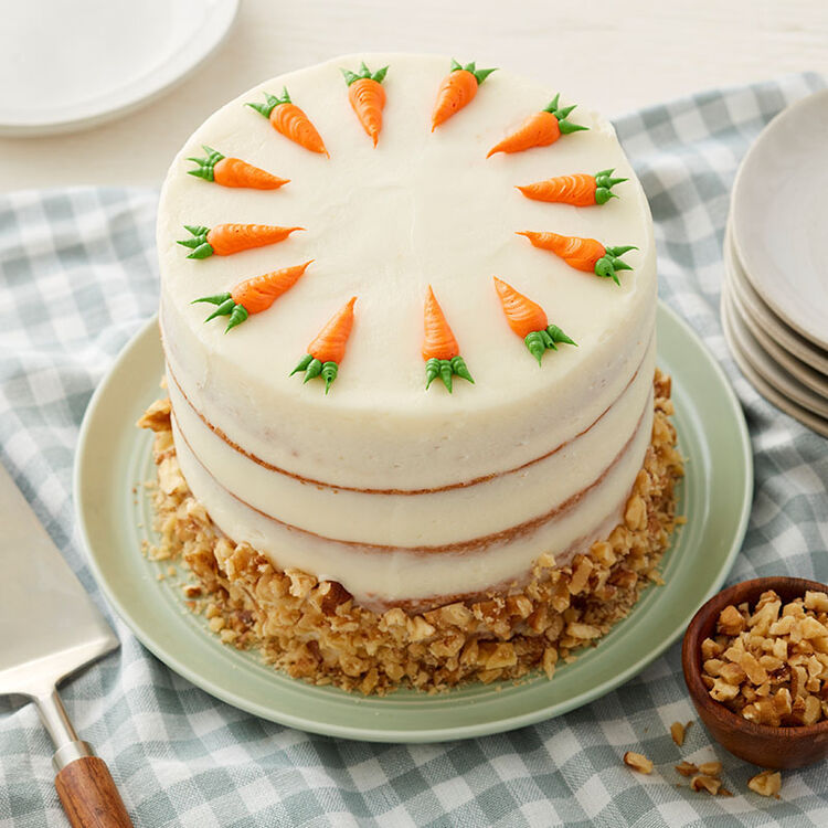 Finished Cake with Piped Carrots