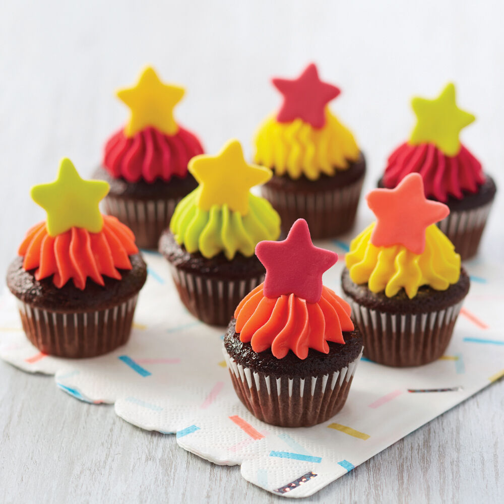 60 Diy Wedding Decoration Ideas: Seeing Stars Mini Cupcakes