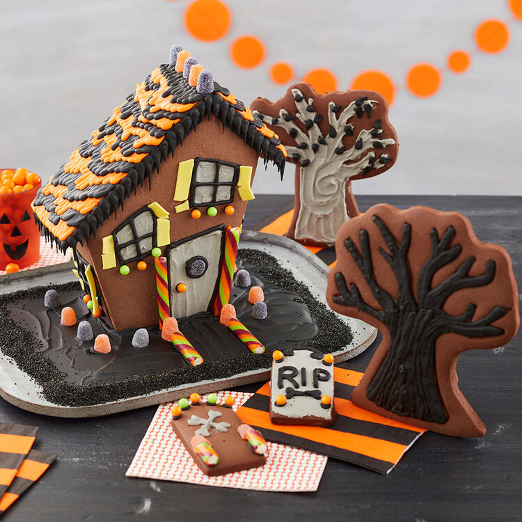 Halloween Haunted Gingerbread House
