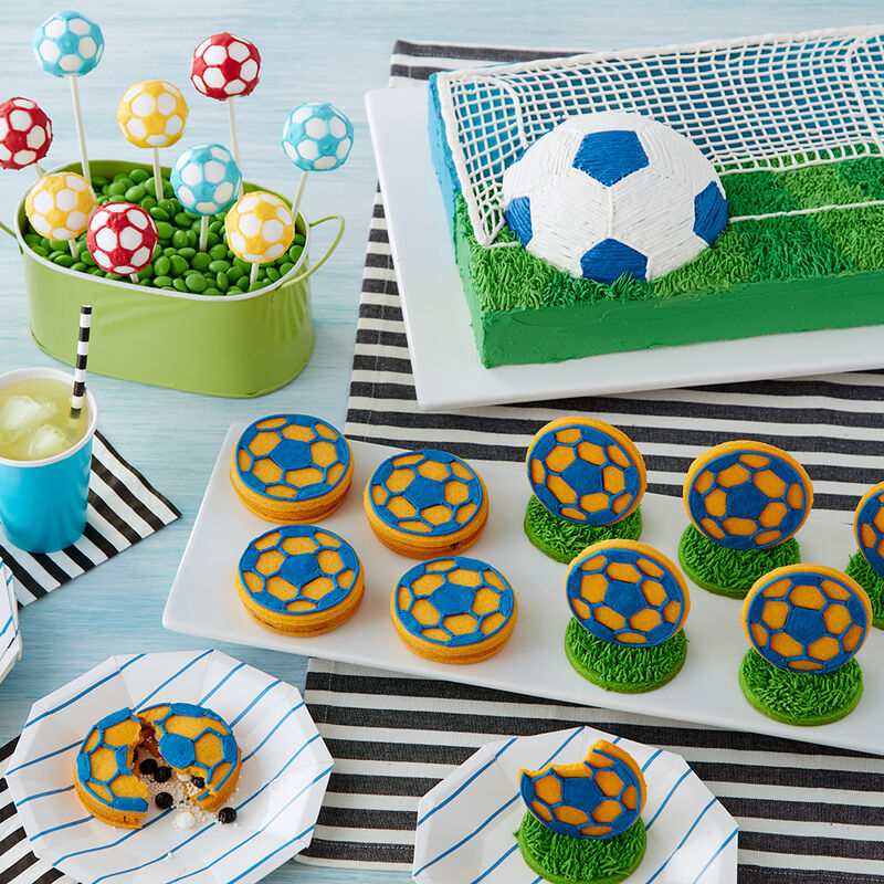 Kick-off Surprise Soccer Cookies image number 1