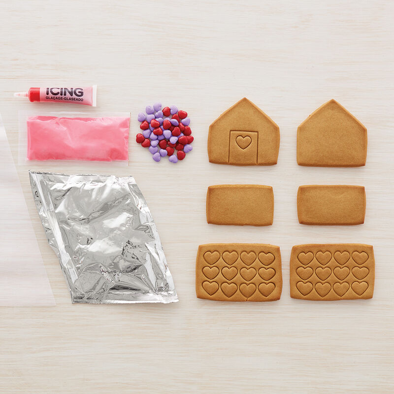 Mini Valentine Gingerbread House image number 1