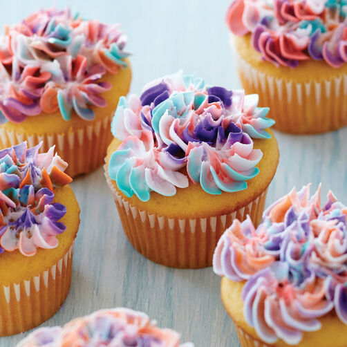 Ideas For Decorating Cupcakes: Swirl Drop Flower Cupcakes