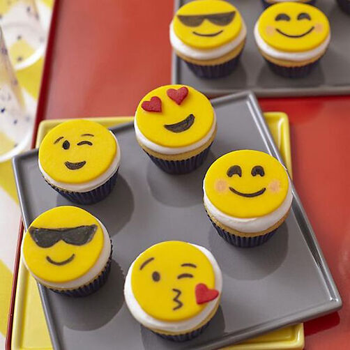 Emoji Cupcakes Cupcake Decorating Ideas Wilton