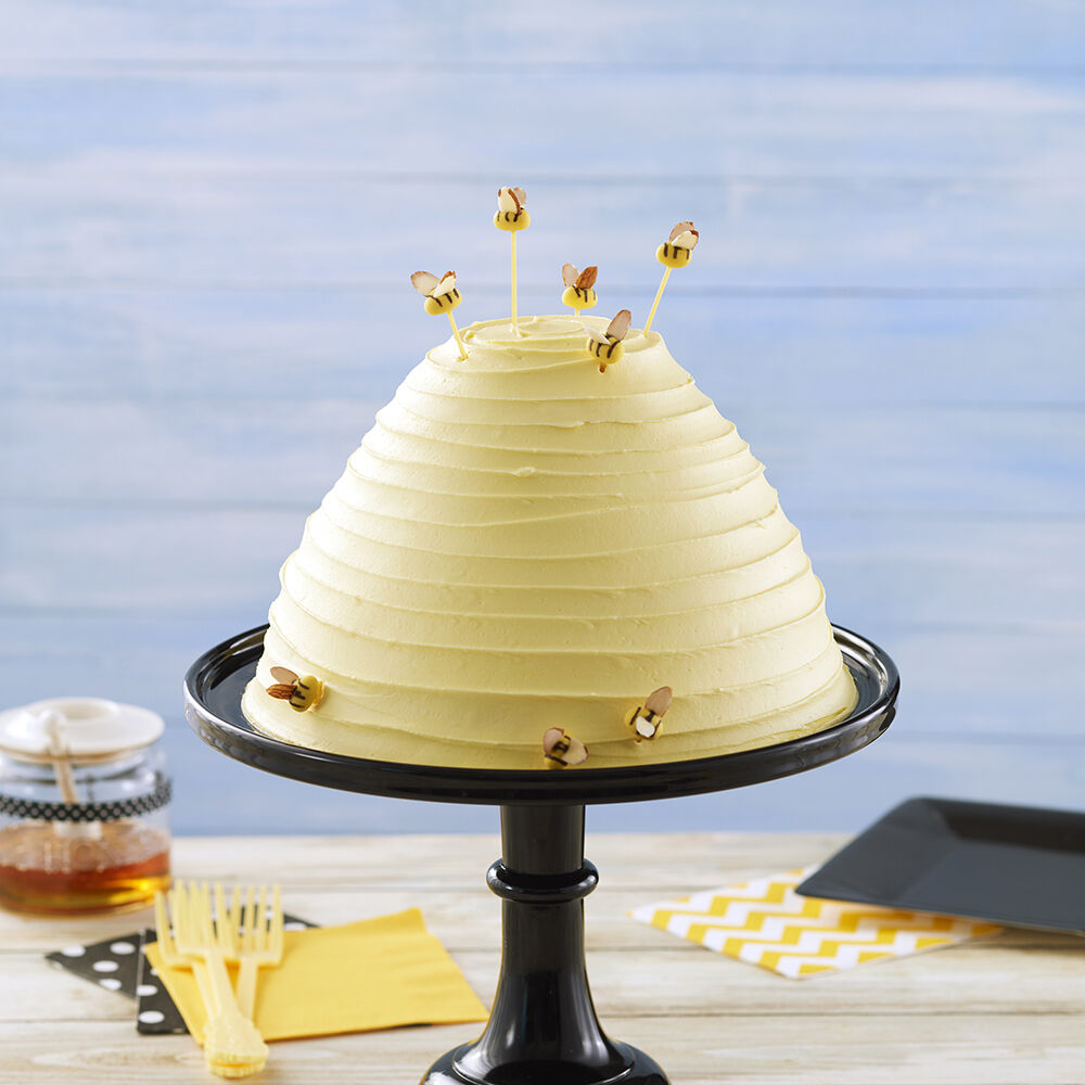 Busy as a Beehive Cake | Wilton
