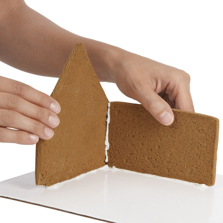 Build Gingerbread Walls and Sides