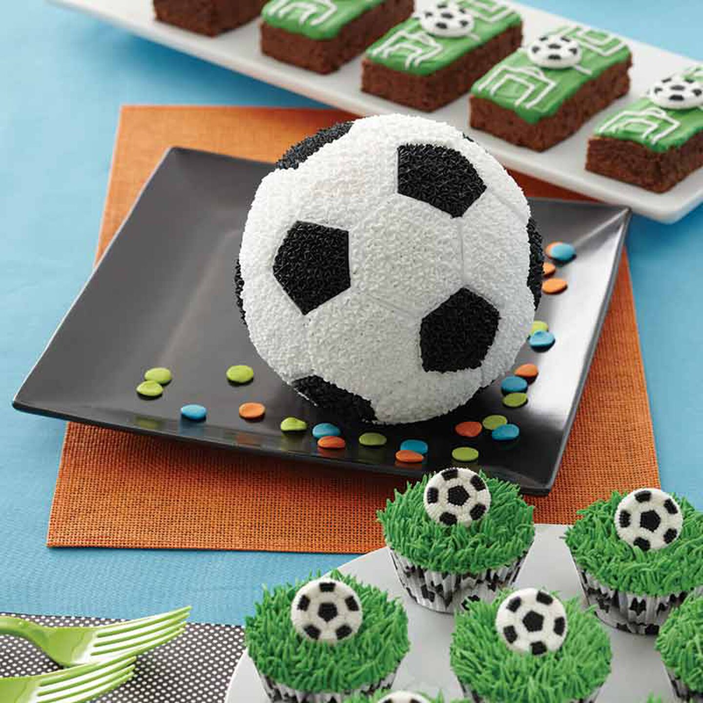 Printed Cupcake Wrappers x 12 SOCCER  Black and White