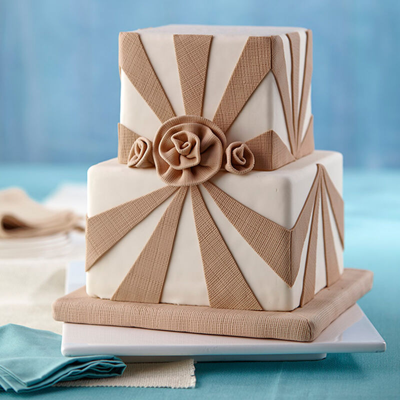 Burlap and Roses Fondant Cake image number 0