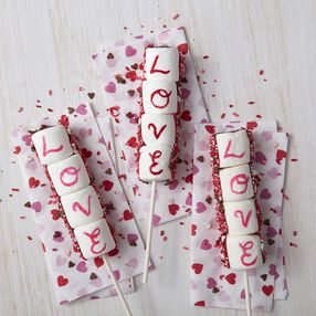 Valentine's Day Marshmallow Pops