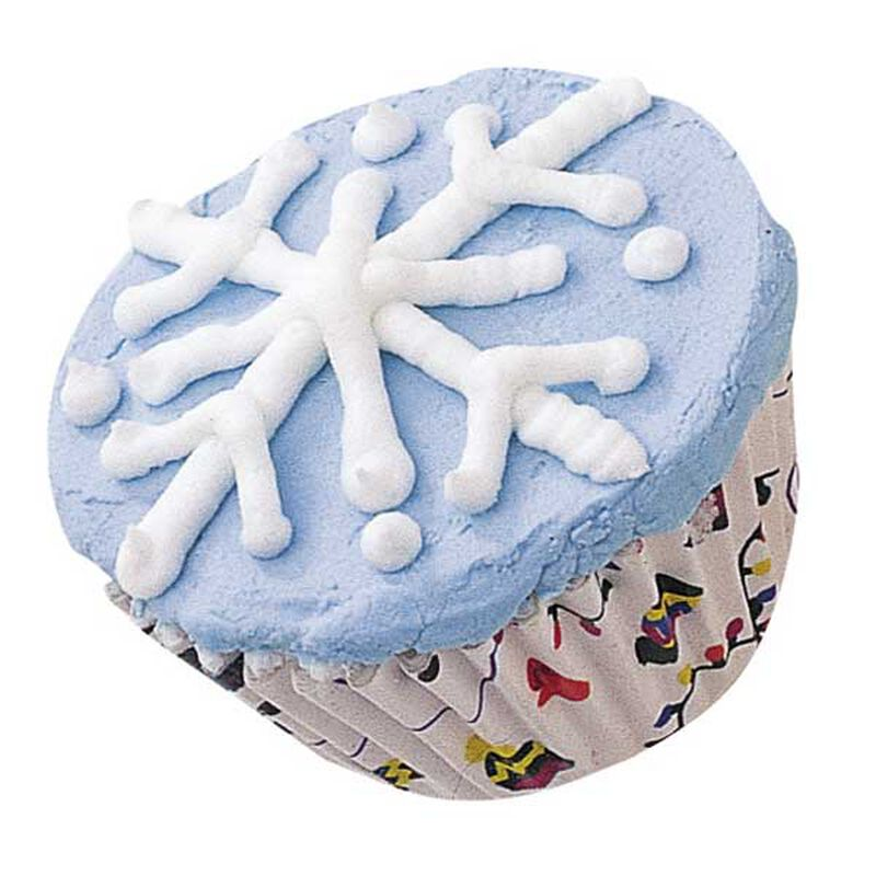Falling Snowflakes Cupcakes image number 0