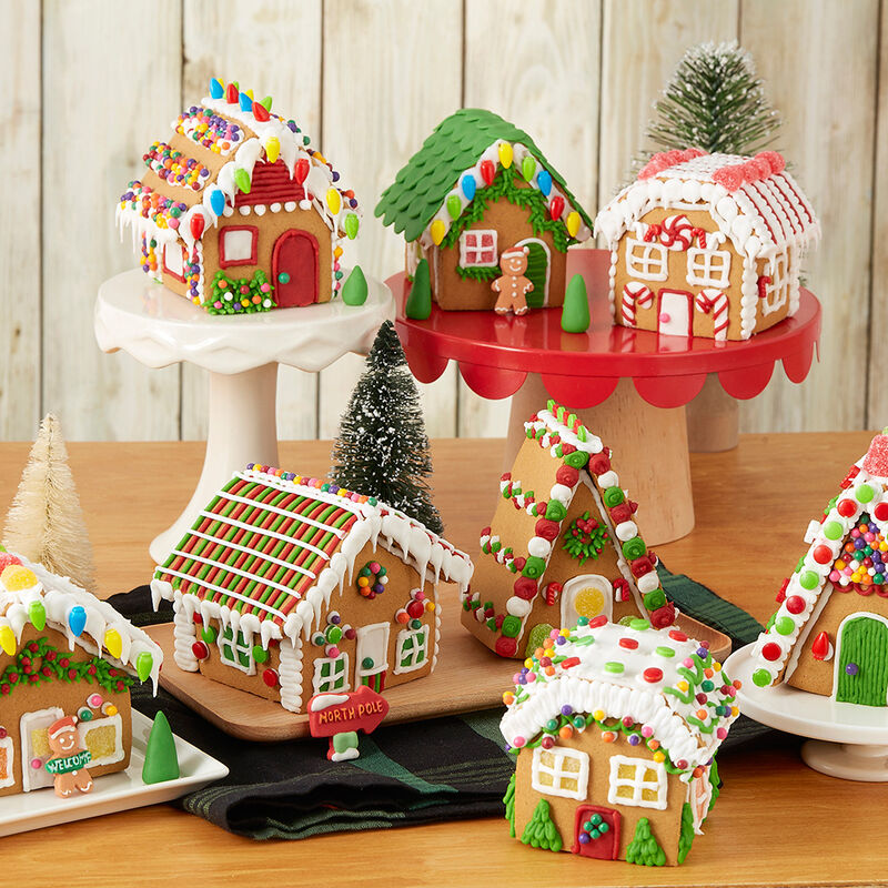 Visit Party Town Gingerbread Village  image number 0