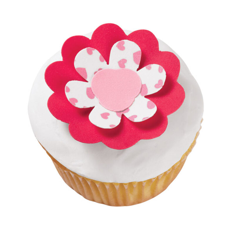 Three-Fold Flower Cupcakes image number 0