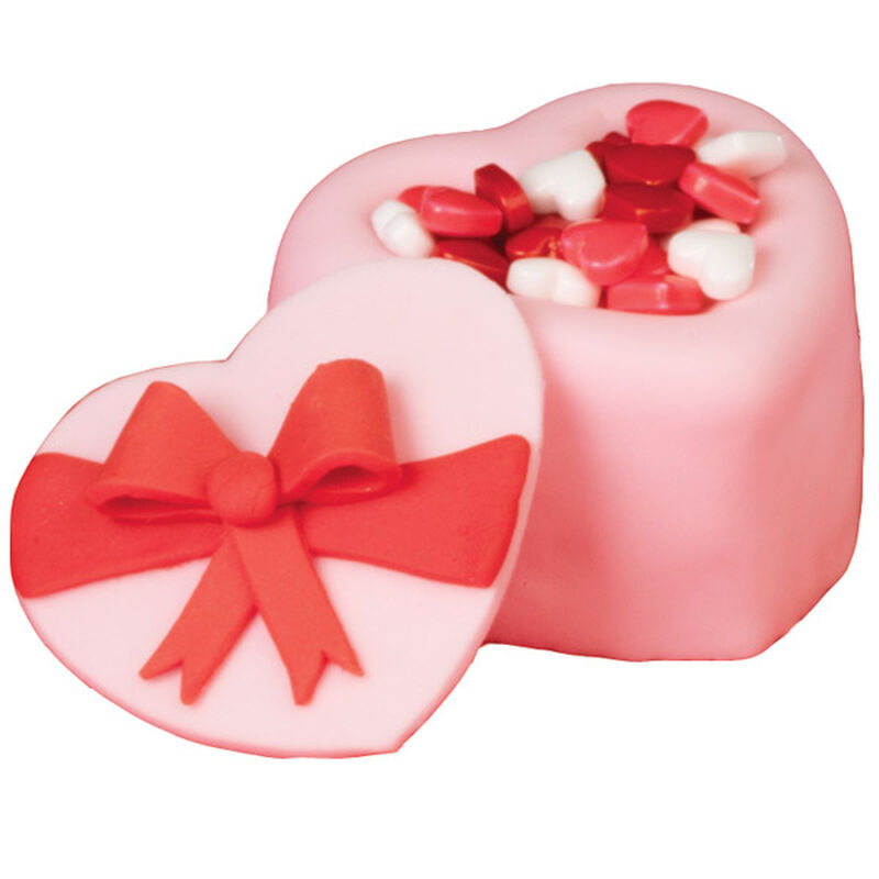 Heart-Shaped Candy Box image number 0
