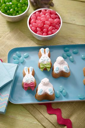 Bunny's Easter Entrance Mini Cakes