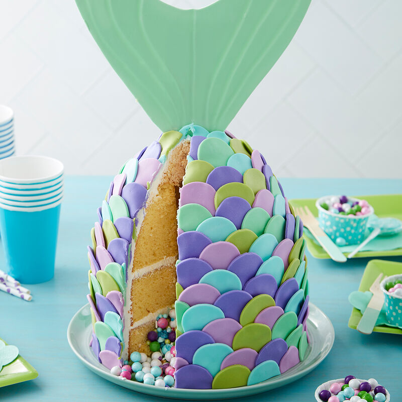 Mer-mazing Pastel Mermaid Cake image number 3