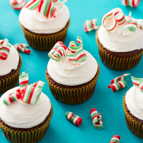 Candy Curl Christmas Cupcakes
