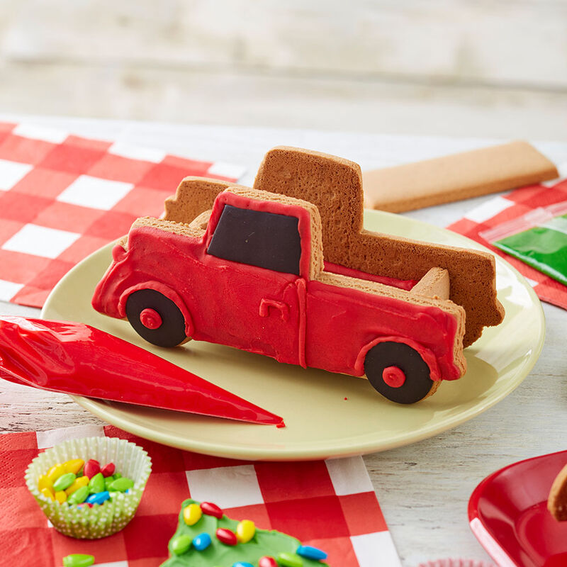 Gingerbread Pickup Truck Decorating Idea image number 0