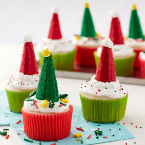 Christmas Tree and Santa Hat Cupcakes - Christmas Cupcakes
