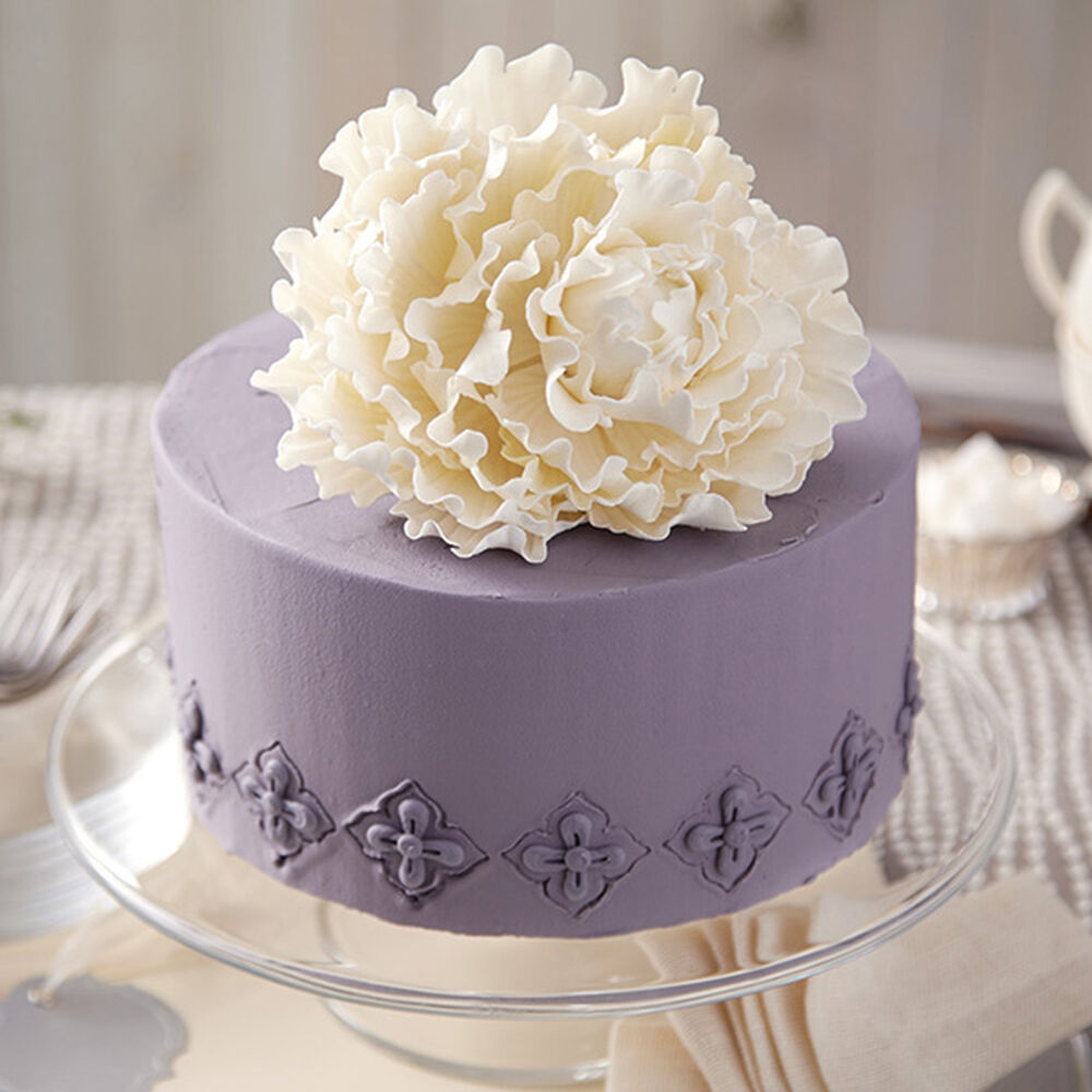 wedding cake board ideas peony on pewter cake wilton 22032