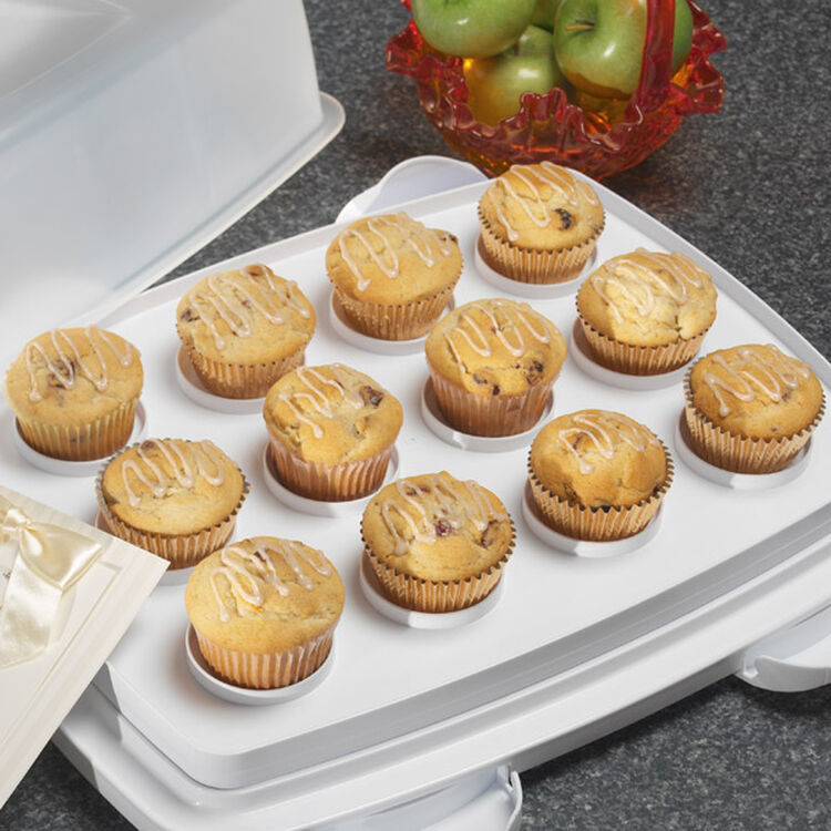 Cranberry Apple Muffins With Cinnamon Drizzle