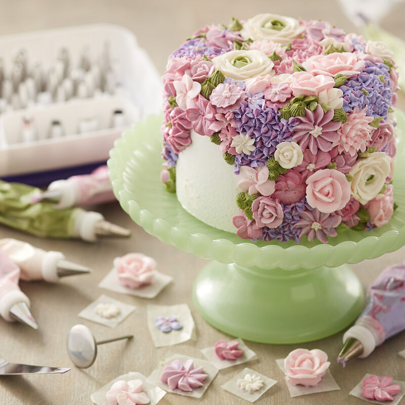 Blossoming Spring Flowers Cake image number 2