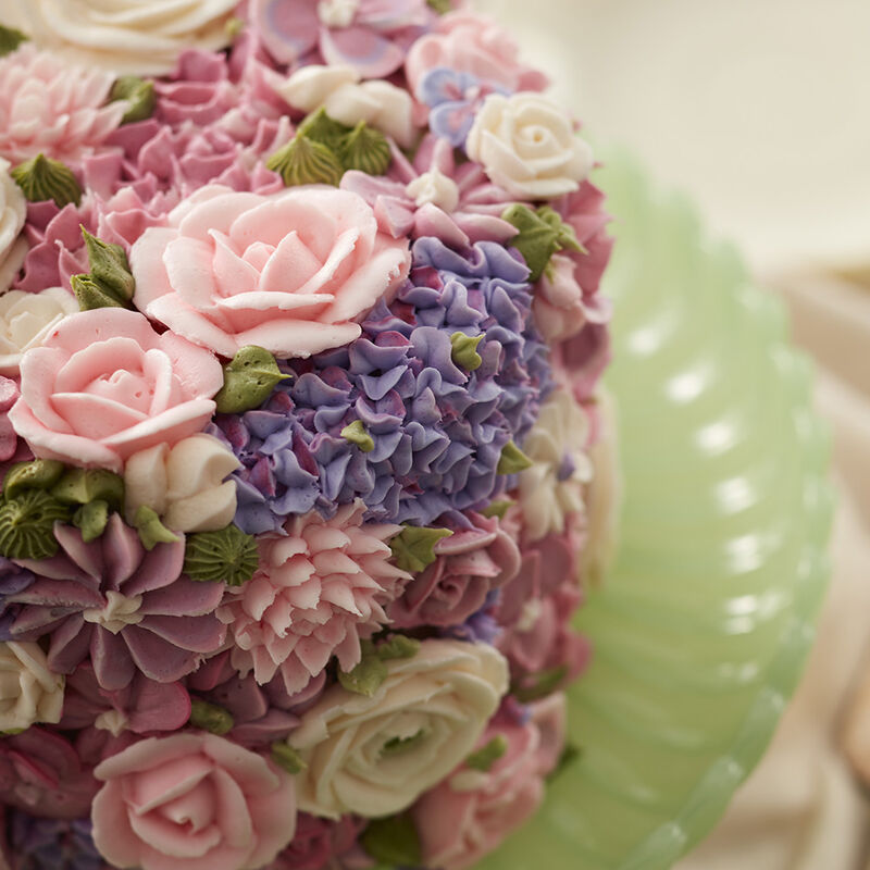 Blossoming Spring Flowers Cake image number 1